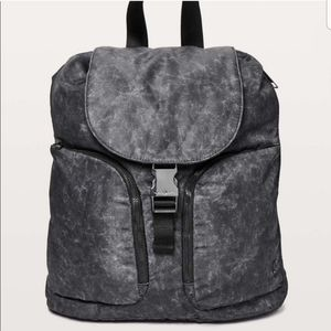 LULULEMON carry onward rucksack gravel dust